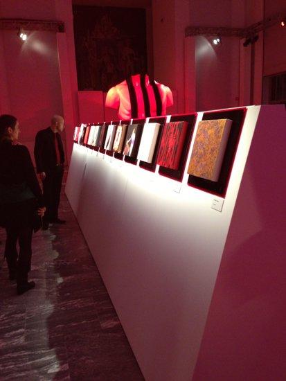 pannello-espositivo-con-le-opere-d-arte-degli-artisti-dell-accademia-di-brera
